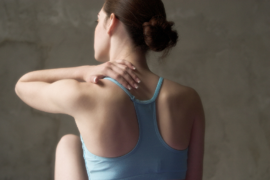 How does slipped disc cause problems?